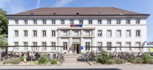 🇨🇭SBB Schlieren, Güterstrasse 2, Biaxo cast iron radiators